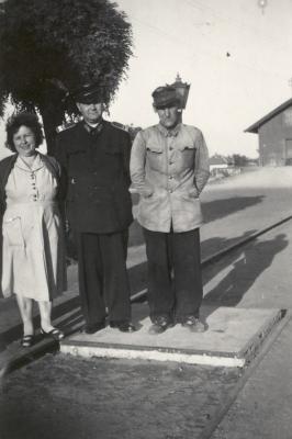 id. Dormány József, a hernádi állomásfőnök és a felesége (1958. június 25.)